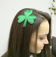Заколка Трилистник зелёный лист клевера - символ празднования Дня святого Патрика