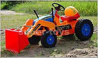 Детский педальный трактор с ковшом TDD228