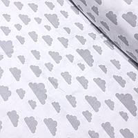 Ткань хлопковая с серыми облаками на белом фоне №414