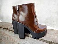 Женские  ботинки на каблуке 12 см, натуральная лакированная кожа, коричневые / ботинки женские зимние,