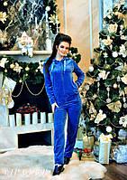 Женский спортивный велюровый костюм с карманами и капюшоном
