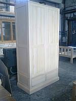 Шкаф под старину с натурального дерева