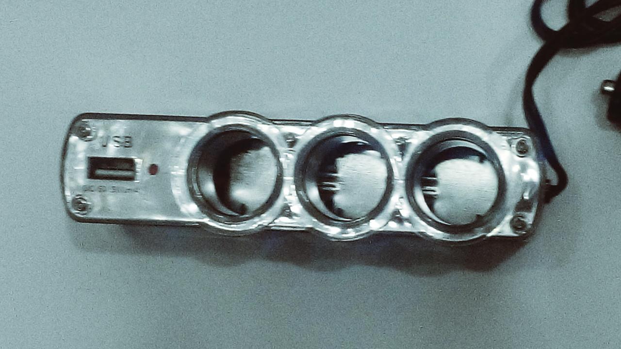 Автомобильные разветвители для гнезда прикуривателя  с USB  XKT-0120