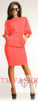 Изысканное платье полуприлегающее длиной до середины колена