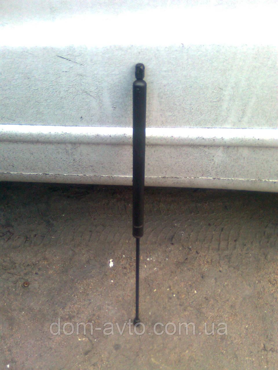 Амортизатор багажника задней ляды A6389800464  MERCEDES VITO ВИТО w638 V-CLASS