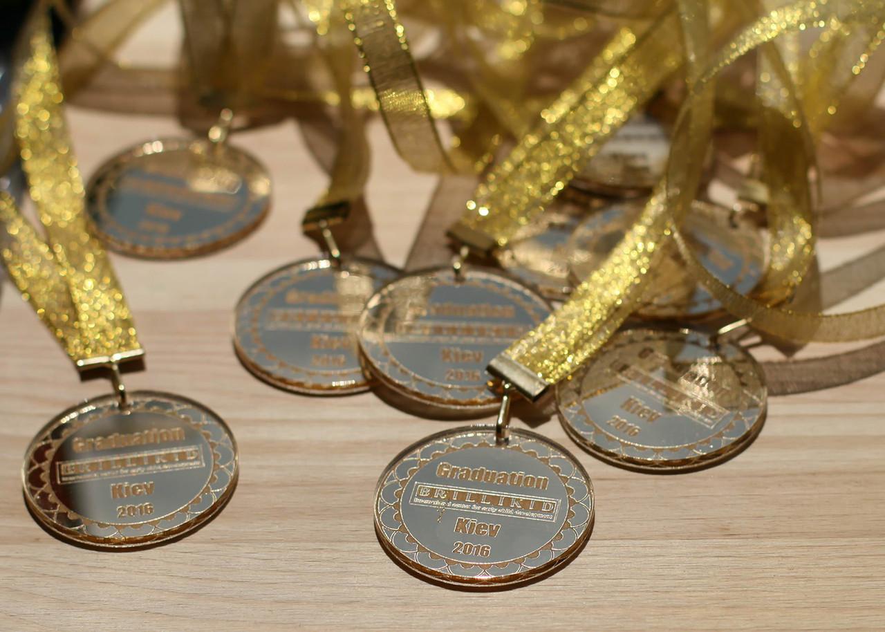 Медали для выпускников школы
