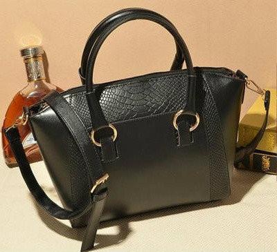 Женская сумка под кожу змеи