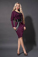 Эфектное платье с черным поясом из кожзама