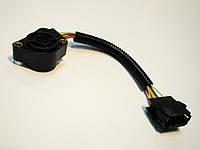 Потенціометрпедалі газу (прямокутна чорна фішка з проводом Volvo A-253 (WOSM)