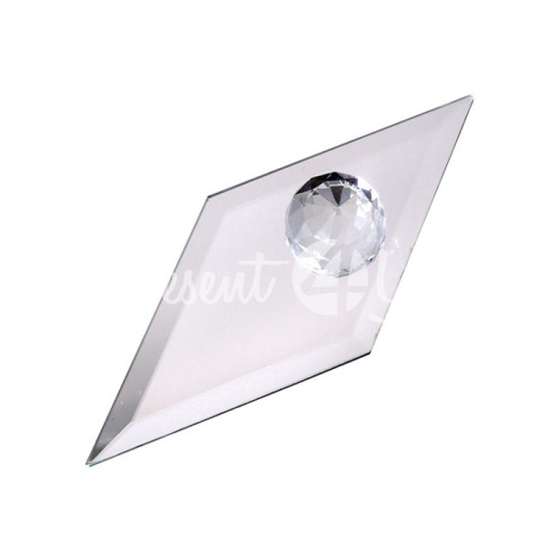 Кристалл на подвеске
