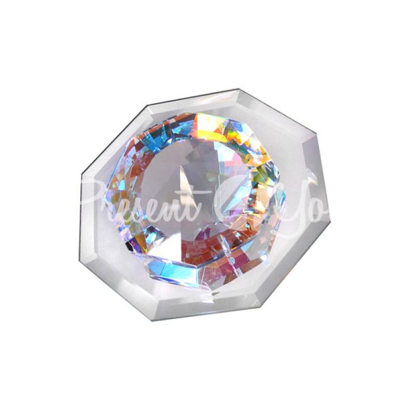 Кристалл на клеящейся основе