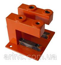 Кондуктор для сверления отверстий в вертикальном профиле раздвижной системы шкафов купе