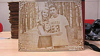 Романтический подарок любимой девушке на восьмое марта деревянный сувенир