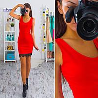 Трикотажное платье-майка мини с кружевом красное