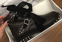 Крутые ботинки с шипами