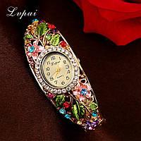Модные нежные женские часы -браслет со стразами