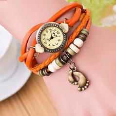 """Женские часы с кожзам ремешком под старину с брелком """"лапки"""" оранжевый"""