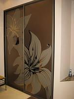 Фасад зеркало бронза в сочетании с химтравлением и амальгамой. Изысканный внешний вид.