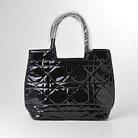 Женская стеганая сумка черная лаковая кожзам
