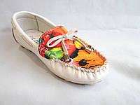 Туфли детские оптом мокасины для девочек, 31-36 р., белые с цветным рисунком