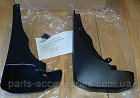 Nissan Pathfinder 2005-2012 передние брызговики Новые Оригинальные