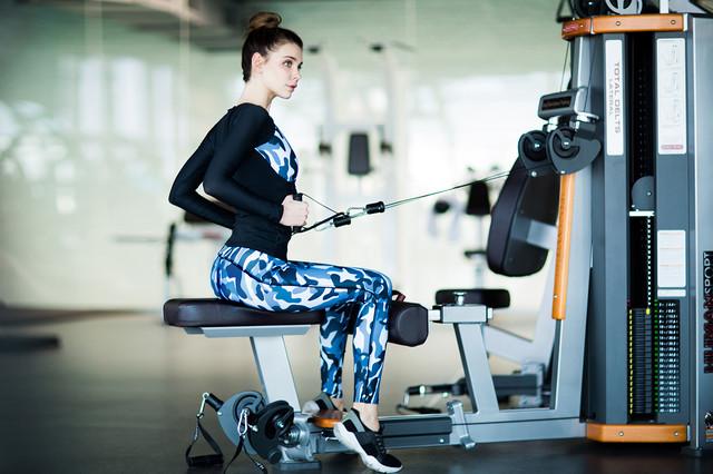 Designed For Fitness - спортивный рашгард Como Grey. Купить одежду для фитнеса Designed For Fitness 0987555561