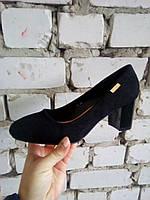 Черные замшевые туфли  на толстом каблуке Fashion.