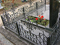 Кованая ритуальная оградка 22