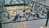 Кованая ритуальная оградка 26