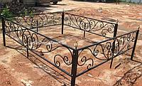 Кованая ритуальная оградка 37