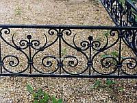 Кованая ритуальная оградка 44