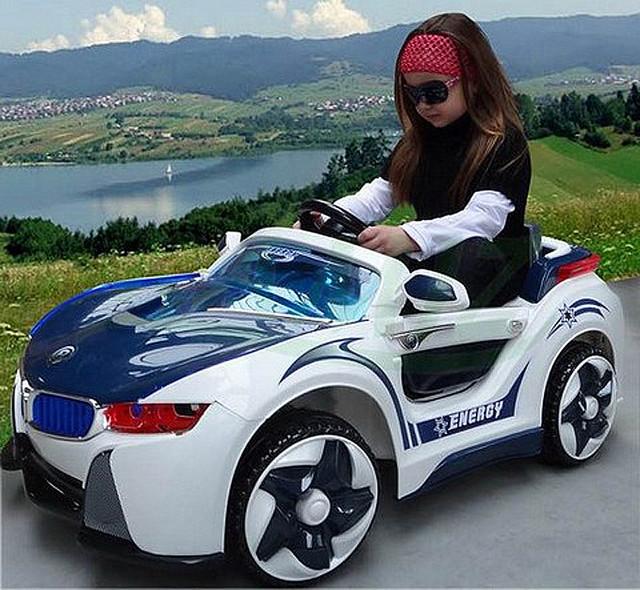 детский электромобиль 718 BMW i8 Vision