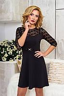 Элегантное платье подчеркивающие талию