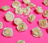 Розочки декоративные кремового цвета, размер 20 мм.