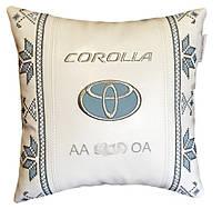 Подушка вышиванка в авто сувенирная  с логотипом toyota тойота