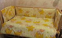 """Защита, мягкие бортики в детскую кроватку """"Мишки на звездочках"""" желтая"""