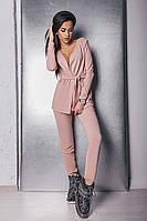 Ангоровый женский брючный костюм с удлиненной кофтой под пояс и прямыми брюками на манжетах