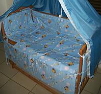 """Защита, мягкие бортики в детскую кроватку """"Винни Пух"""" голубая"""