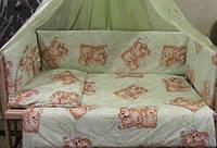 """Защита, мягкие бортики в детскую кроватку """"Мишки пара спят"""" салатовая"""
