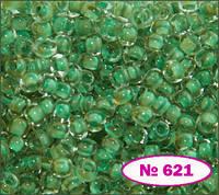Бисер №10 зеленый бледный