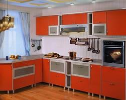 Угловая кухня с применением МДФ фасада в Т-профиле с нанесением пластика.