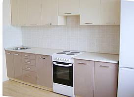 Прямая кухня с применением МДФ фасада с нанесением пластика.