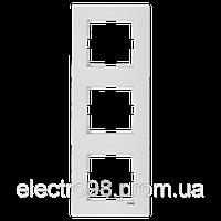 Тройная рамка VI-KO Karre вертикальная скрытой установки (белая), фото 1