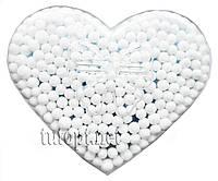 Ушные палочки в коробке в форме сердечка