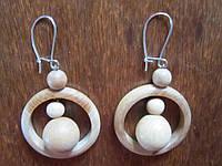 Серьги кольца с шариками деревянные