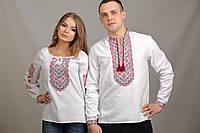 Белые вышиванки для пары с узором красным крестиком