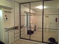 Шкаф-купе на 3 двери с зеркалами