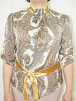 Блуза шелк  стойка со складами, перо на бежевом