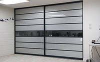 Шкаф-купе черно-серый