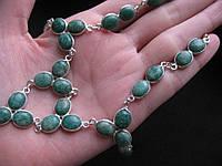 Нежное ожерелье с натуральным камнем - индийский изумруд в серебре.